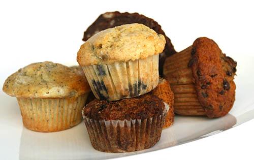 Zdrave pregrehe: Muffini s kefirjem in pistacijami